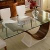 Переваги скляних меблів