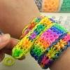 Як сплести красивий браслет з гумок: все про популярних техніках і візерунках плетіння