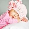 Як зв`язати чепчик для новонароджених хлопчиків і дівчаток гачком для початківців рукодільниць