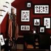 Як прикрасити квартиру рамками