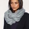 Як зав`язати шарф на шиї петлею і іншими популярними способами (з фото і відео)