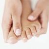 Мазь від грибка нігтів, чи достатньо тільки її