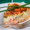 Пиріг з лососем і зеленою цибулею