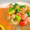 Салат з лангустінов з авокадо і помідорами