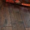 Стильне підлогове покриття: інженерна дошка
