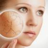 Тональний крем для сухої шкіри